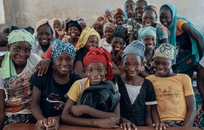 SWEDD 2 continuera de soutenir les efforts pour maintenir les filles à l'école dans les pays du Sahel comme le Mali. © UNFPA / Ollivier Girard