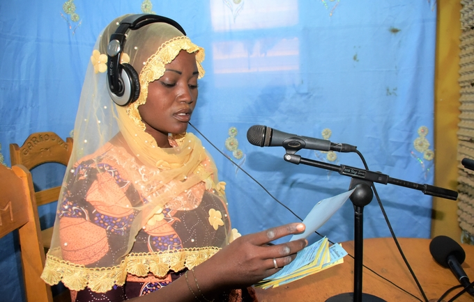 Balkissa Tari animatrice à Garkuwa FM au Niger @UNFPA WCARO/Habibou Dia