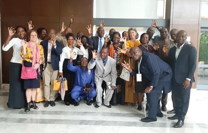 Après la clôture du comité de pilotage du Projet SWEDD, le Directeur régional a remercié et félicité l'équipe de UNFPA WCARO pour le travail de qualité accompli.
