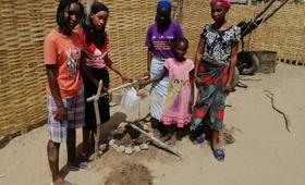 Les clubs de jeunes filles se mobilisent et ont ont installé 247 points de lavage.